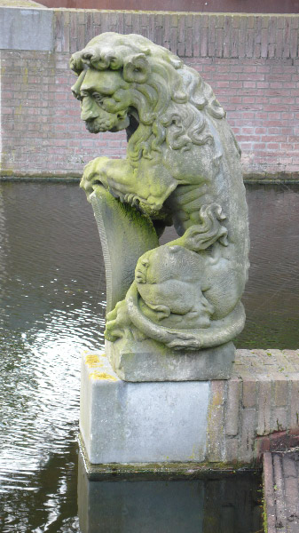 valse leeuw Leiden Hortus 2012 10 31 (1) tipgever Jan Jaap Berkhout