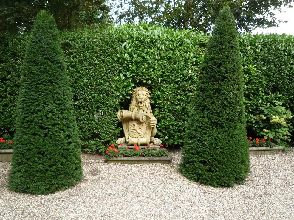valse-leeuw-velp-2015-09-13-aan-Ilone-Lenaerts-Landinwaarts-email-Buurman-doorgestuurd-incl-fotoos-Leeuw--Boerderij-de-Vischkom-Biljoen-(2)